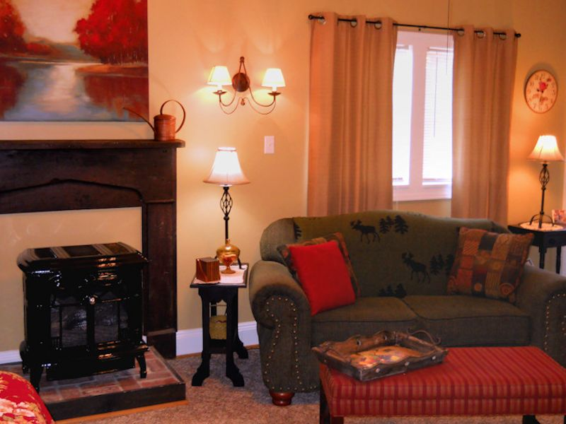 Rosebud Cottage fireplace 800x600