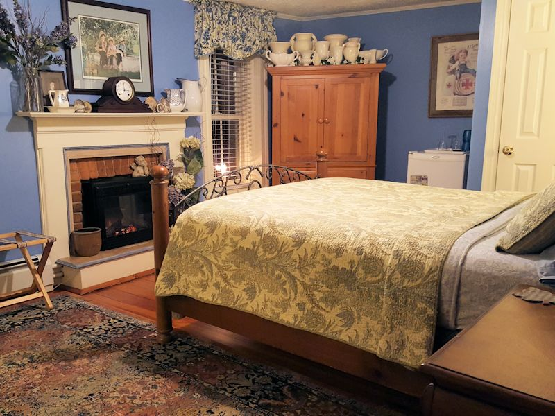 Mark Ruffner room at Piney Hill Bed & Breakfast