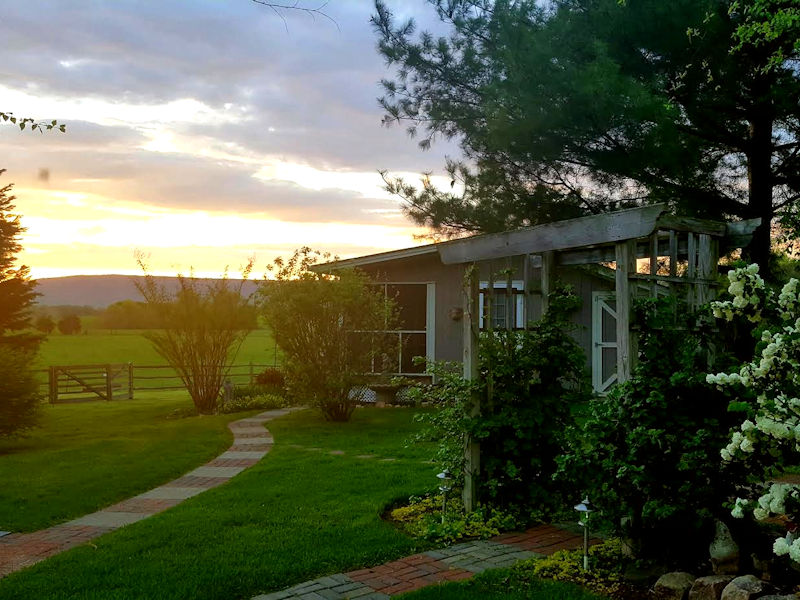 Hurley Byrd Cottage Sunset View