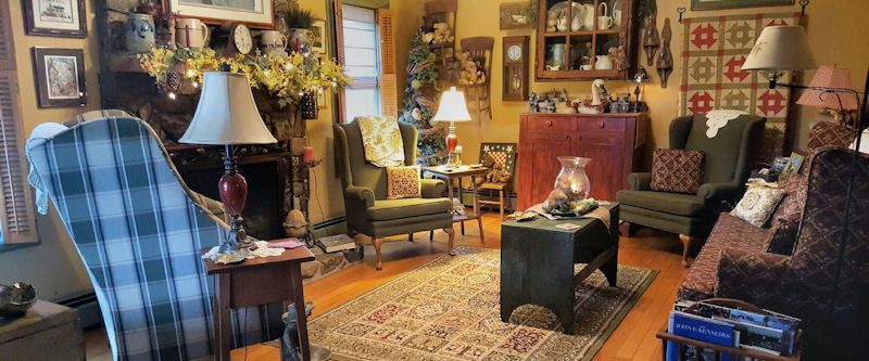 Relax in the Living Room Piney Hill Bed & Breakfast and Cottages