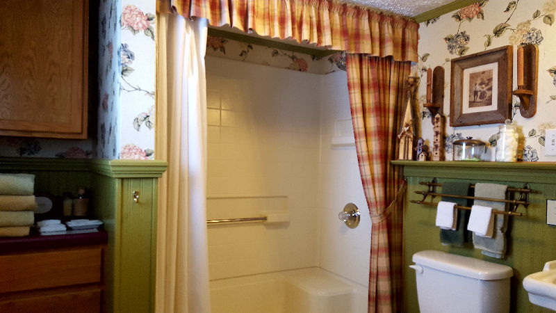 Mark Ruffner Room Bath with Shower